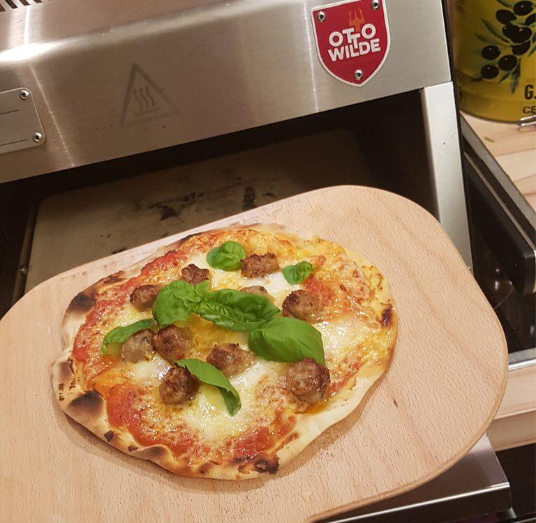 Pizza im Otto Wilde E-O.F.B.
